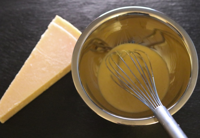 Cesar Dressing mit Parmesan