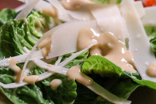 Cesar Salad mit Parmesan