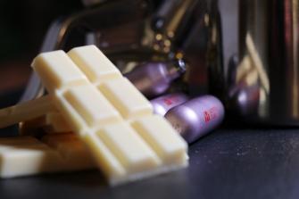 Weiße Schokolade und ISI Sahnekapseln, eine luftige Kombination