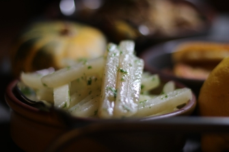 Kohlrabi in Butter und Petersilie